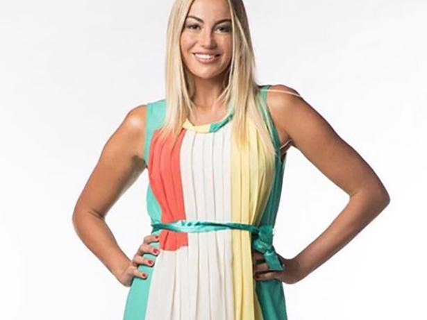 Veronica Angeloni con un vestito tricolore